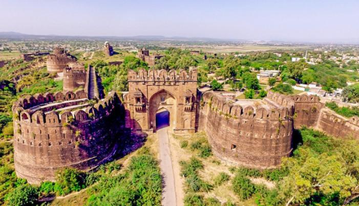 प्राचीन इतिहास और संस्कृति की विरासत रोहतासगढ़ दुर्ग