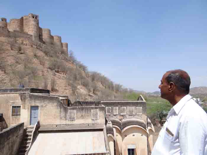 इस किले के ठाकुर ने देश को ये दे दिया था दान में